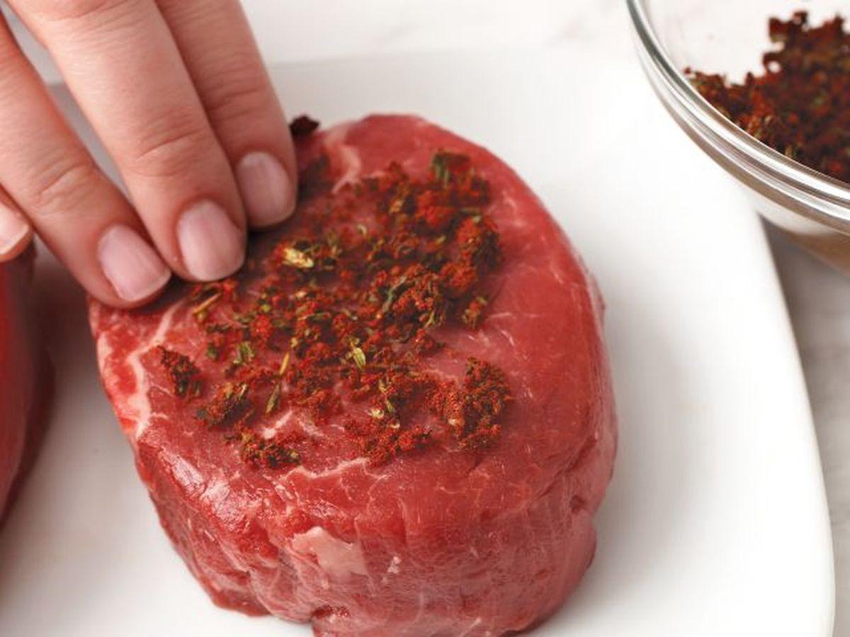 Vous voulez que votre viande de boeuf soit tendre comme du velours, alors découvrez ces 5 superbes techniques pour attendrir la viande de boeuf.