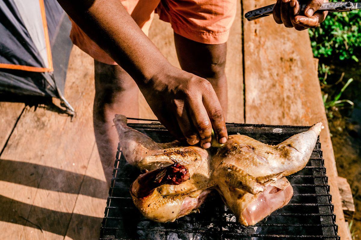 Dans ce guide, nous vous donnons toutes les étapes pour réussir votre poulet rôti. Au four, à la cocotte, au gril, on couvre tous les modes de cuisson.
