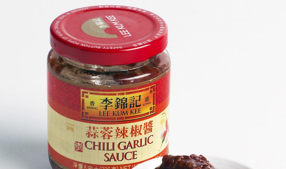 La sauce ail et chili fait partie des sauces asiatiques pour améliorer n'importe quel plat.