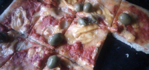 La pizza avec une pâte biga nécessite un peu de planification, mais le résultat vaut largement le coup. Découvrez la recette étape par étape.