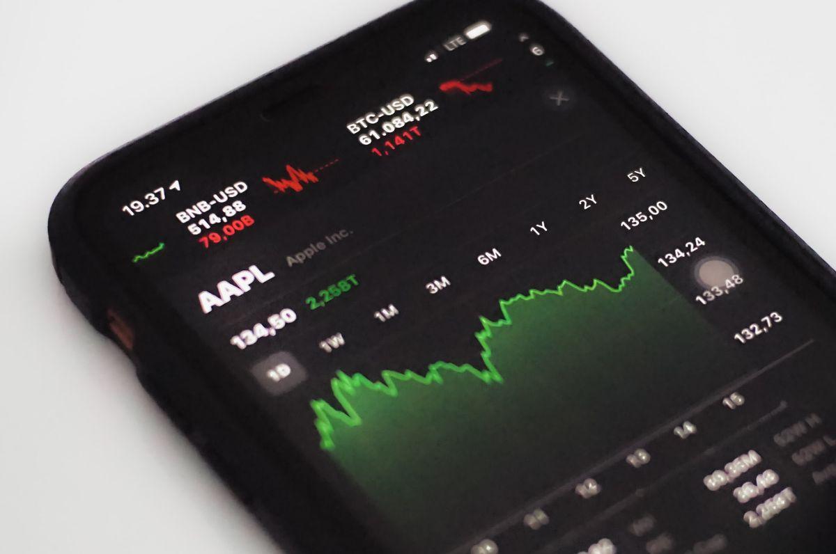 On vous révèle les 4 meilleurs courtiers en ligne sur le marché que ce soit pour les débutants ou les traders expérimentés.