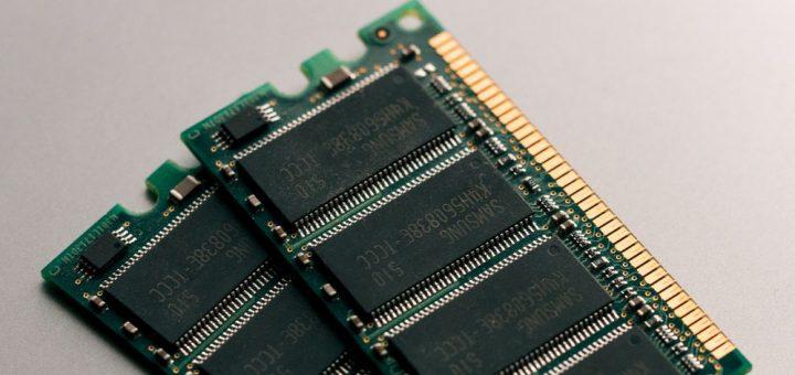 La RAM DDR5 est-elle une révolution ou une évolution ? Quelles sont ses différences par rapport à la DDR4 ? Est-ce que ça vaut le coup de passer à la DDR5 ?